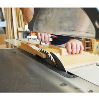 Using Table-Mounted Circular Saws in Practice